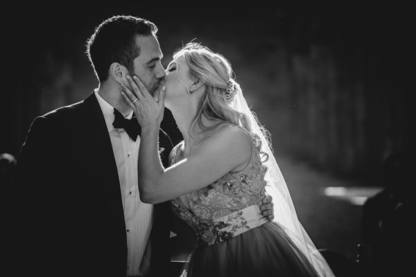 Cristiano Ostinelli - kiss - wedding photographer in italy