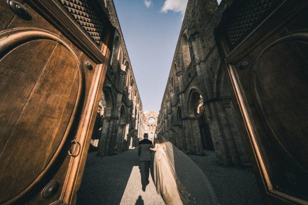 Cristiano Ostinelli - san galgano bride - wedding photographer in italy