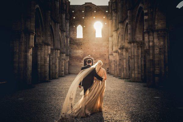 Cristiano Ostinelli - san galgano wedding photo shoot - wedding photographer in italy