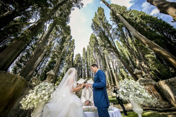 Wedding at villa gamberaia - Florence - Tuscany wedding photographer - cristiano ostinelli - 28